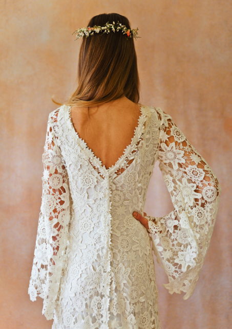 v-neck-and-back-bell-sleeve-70s-wedding-dress
