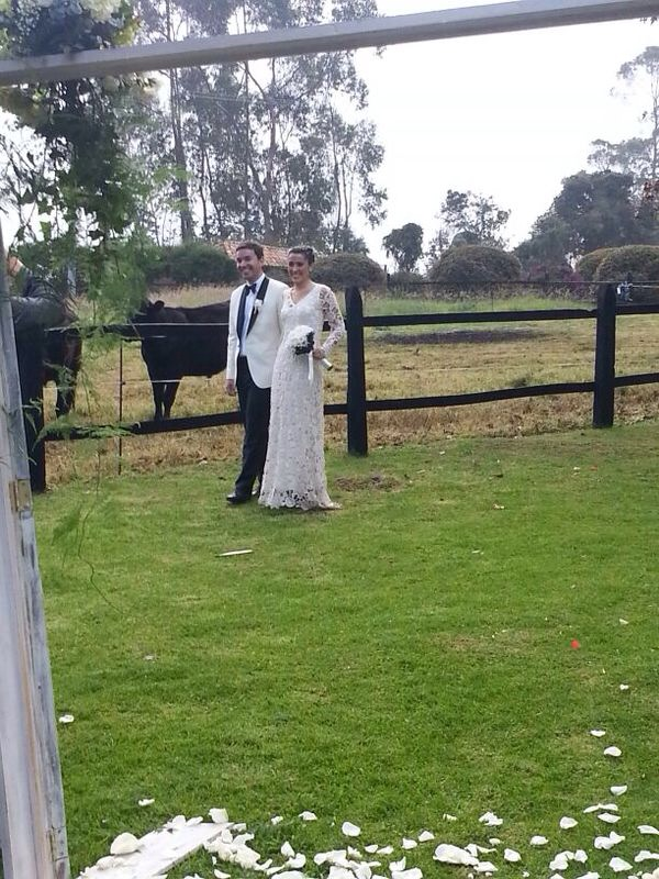 bride-and-groom-outdoor-rustic-farm-boho-wedding-with-cattles