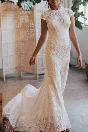 agnes-lace-cap-sleeves-wedding-dress