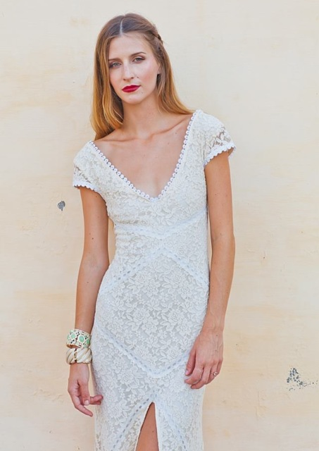 lace-simple-wedding-dress-with-front-slit-backless