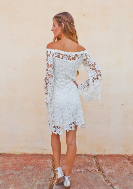 back-full-length-view-novia-boho-lace-dress-in-bohemian-wedding-dresses