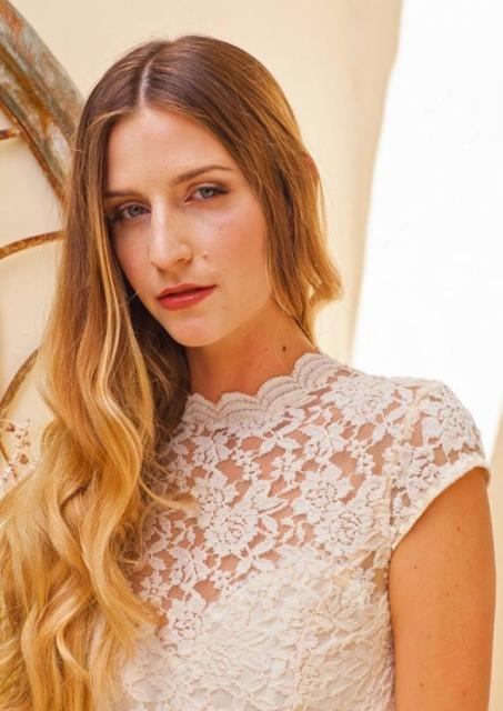 neckline-view-agnes-simple-wedding-dress
