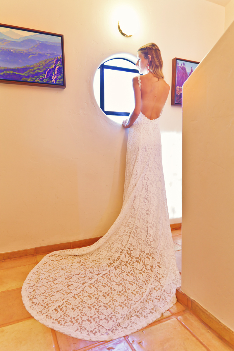 ivory-backless-wedding-dress-stretch-lace-with-train