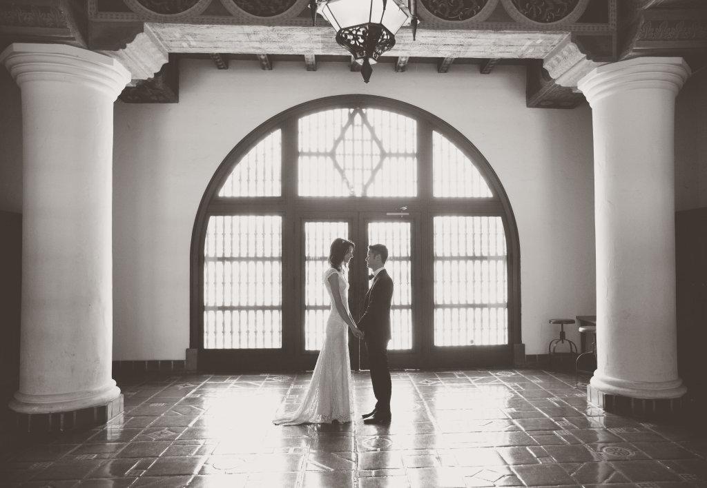 Stunning-real-laid-back-boho-bride