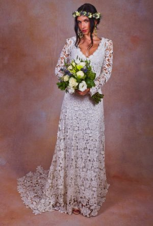 long-sleeves-boho-wedding-dress-in-lace