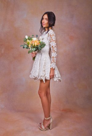 boho-short-lace-wedding-dress-side-view