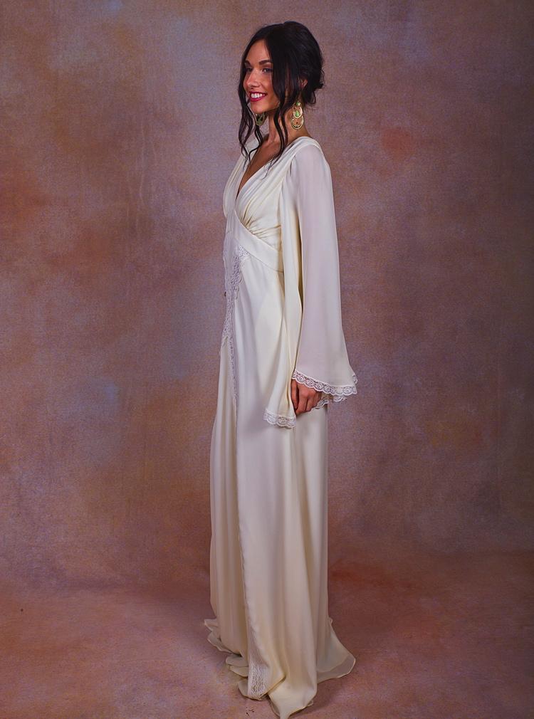 dreamy-silk-chiffon-wedding-gown-for-the-bohemian-bride