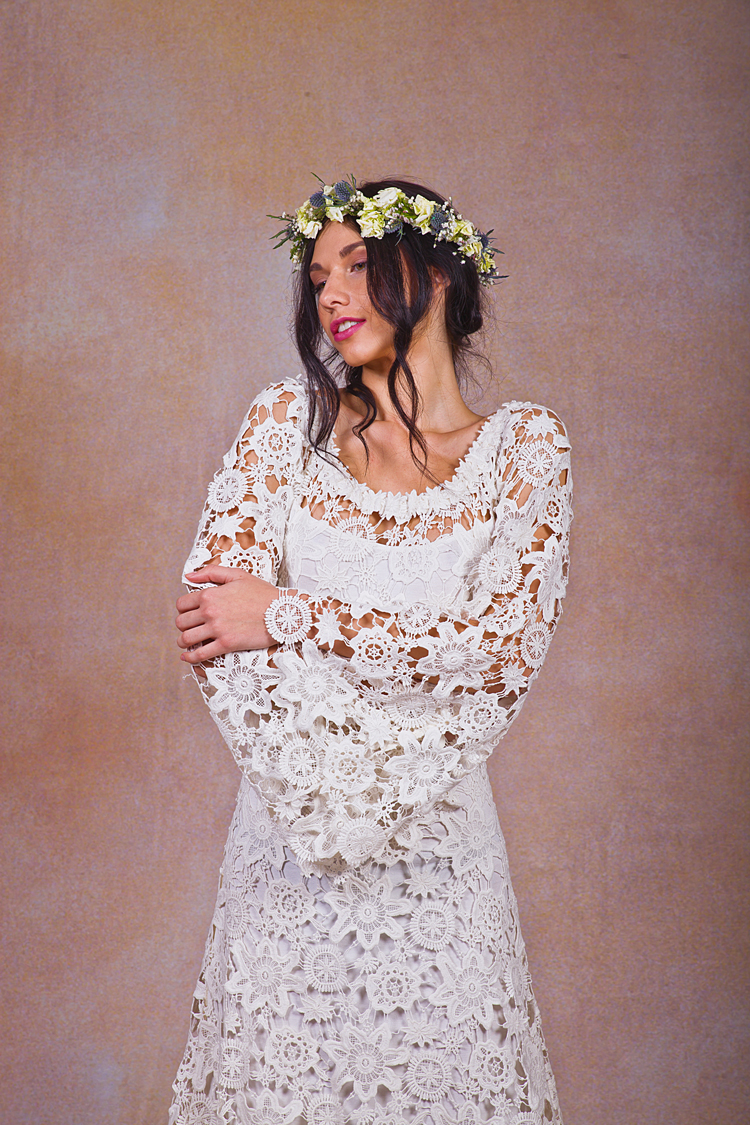 close-up-bell-sleeve-wedding-dress-with-train