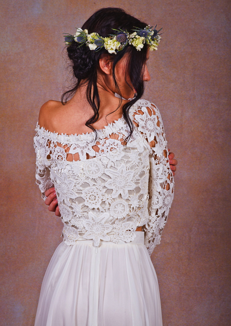 close-view-dreamers-and-lovers-lace-and-chiffon-wedding-dress