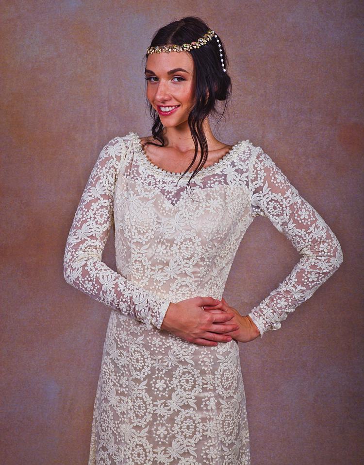 ivory-lace-bohemian-backless-wedding-dress