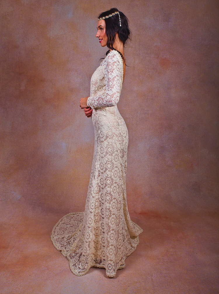 lace-gown-with-sleeves-plunge-back-in-backless-wedding-dresses