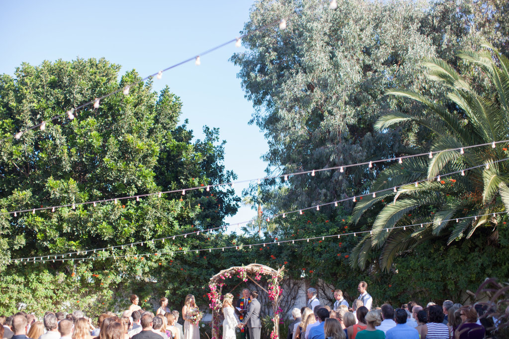 bohemian-wedding-ceremony-held-at-historic-casino-in-san-clemente