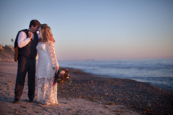 bohemian-wedding-at-Casino-San-Clemente-bride-wearing-boho-wedding-dress