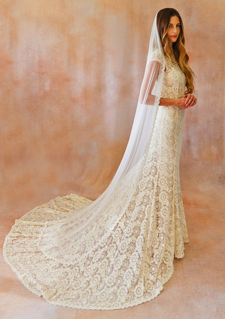 ivory-lace-wedding-gown-open-back-shown-with-cindy-veil