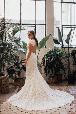 Alice-backless-simple-wedding-dress