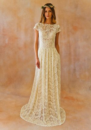 ivory-low-back-simple-lace-wedding-dress-with-low-back