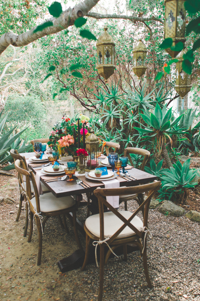 rustic-table-scape-inspiration-for-bohemian-chic-style-wedding