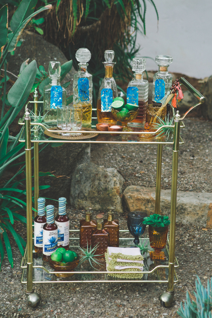 drink-cart-bohemian-wedding-inspiration