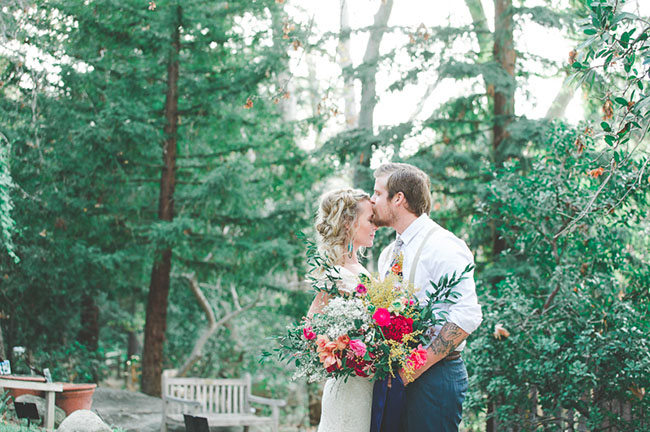 couple-photos-with-large-oversized-wedding-flowers- colorful