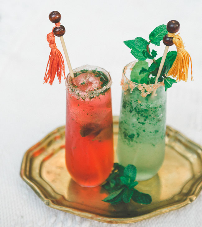 colorful-wedding-cocktails-perfect-for-laid-back-bohemian-wedding