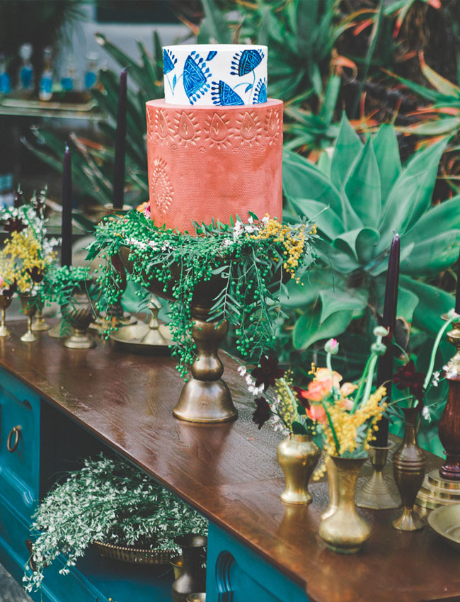 rustic-eclectic-spanish-inspired-wedding-cake