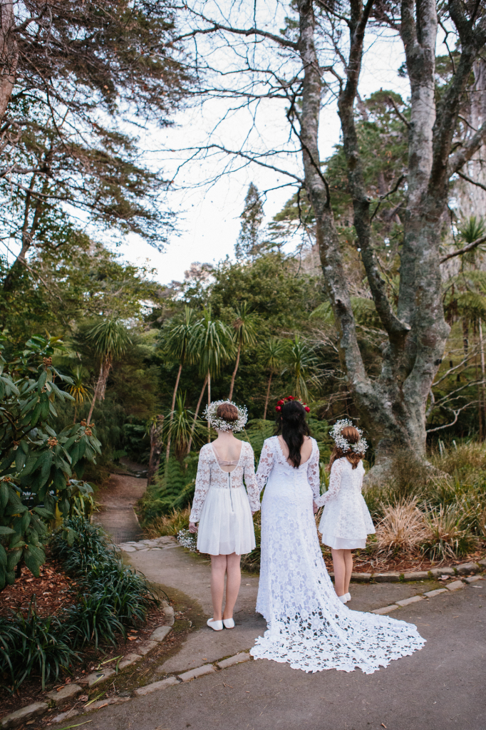 boho-bride-in-nature-with-flower-girls