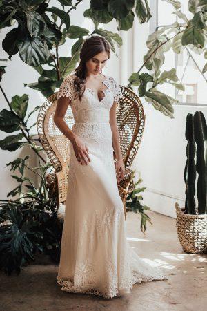 dreamers-and-lovers-azalea-dreamy-boho-wedding-dress
