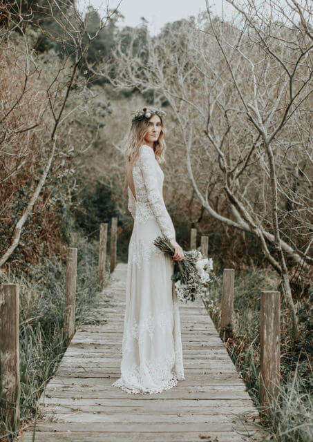 like-a-bohemian-fairytale-bride-wearing-l-sa-long-sleeved-lace-wedding-dress