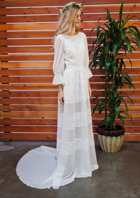 dreamers-and-lovers-raven-romantic-silk-embroidery-backless-gown
