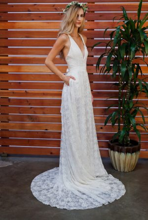 off-white-backless-silk-embroidered-bohemian-wedding-gown-with-pockets