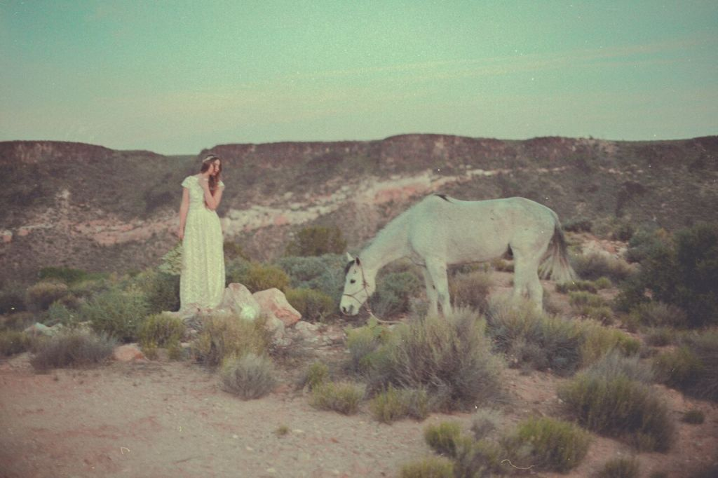 desert-bridal-editorial-bohemian-wedding-dress-the-catherine-backless-gown