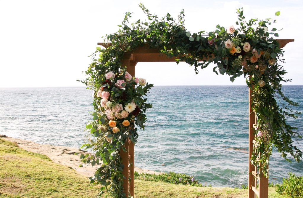 romantic-floral-arch-for-boho-beach-wedding