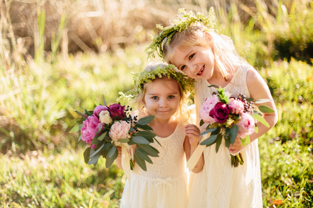 shannon-and-her-flower-girls-with-vibrant-blooms-and-greenery-flower-crown