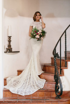 palos-verdes-wedding-inspiration-simple-lace-wedding-dress