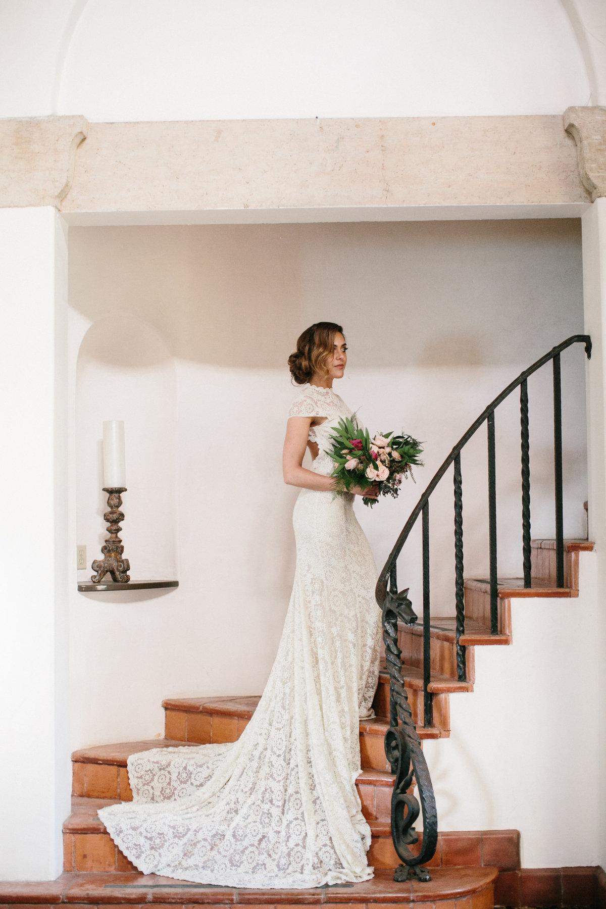 exquisite-lace-wedding-dress-backless-simple-and-timeless-long-elegant-train-feminine-and-romantic