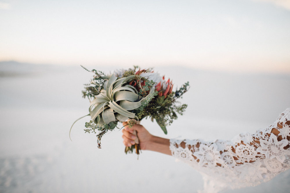 dried-bouquet-for-white-sands-national-park-elopement