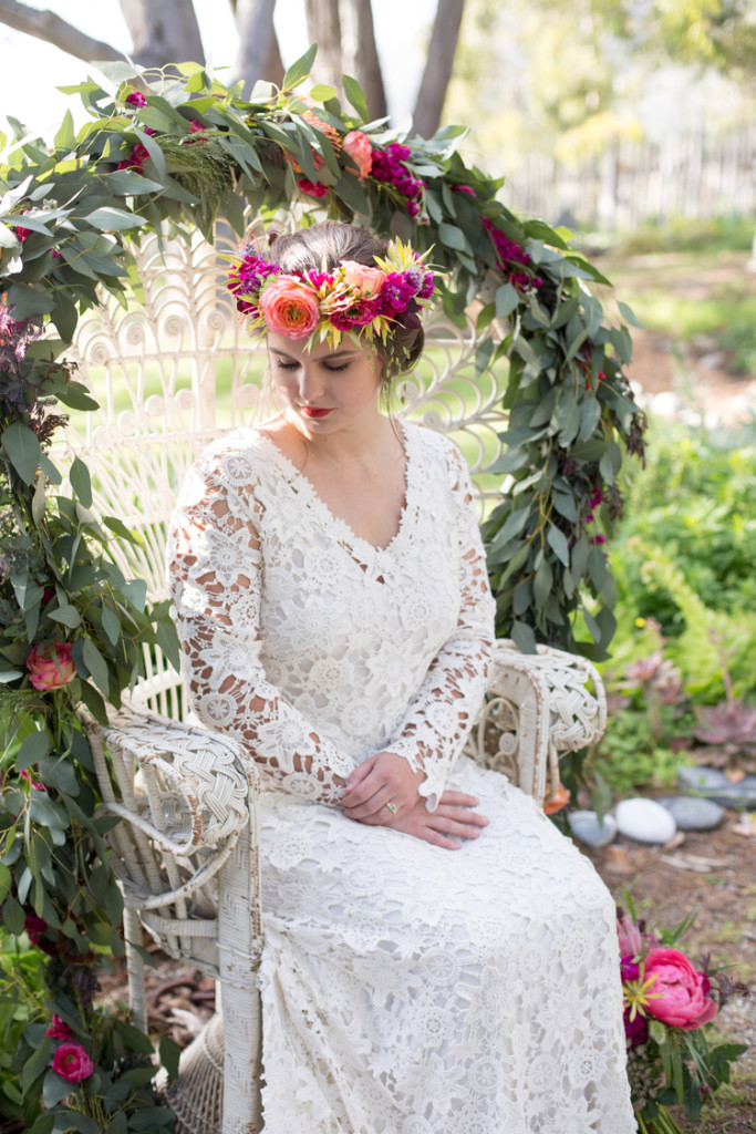 ultimate-boho-wedding-inspiration-romantically-set-in-Big-Sur-California-loads-of-beauty
