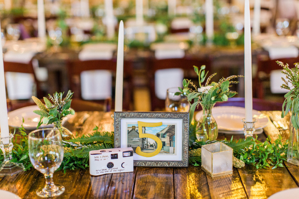 boheman-wedding-rustic-table-setup