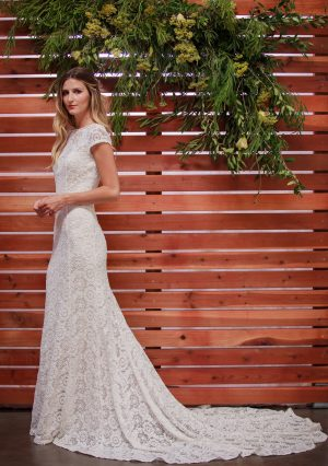 side-view-nellia-embroidered-lace-wedding-dress-with-open-back