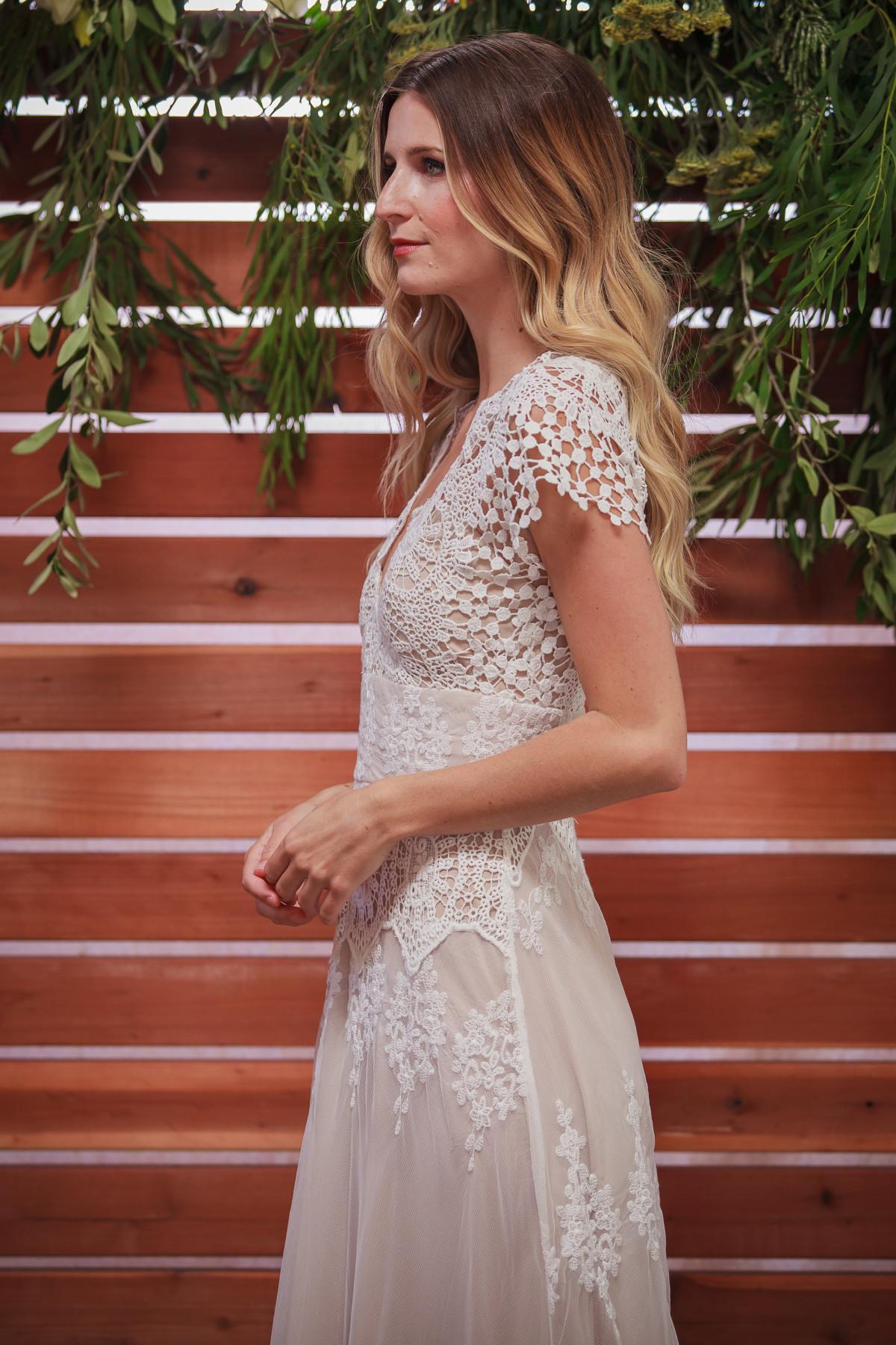side-view-azalea-lace-boho-wedding-dress-made-to-measure-in-LA