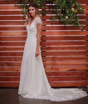 side-view-dreamers-and-lovers-daisy-silk-and-lace-bohemian-wedding-dress-with-crochet-trim-train