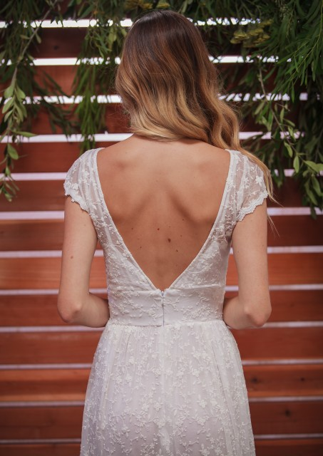 close-up-of-romantic-backless-fleur-dress