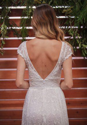 close-up-of-romantic-backless-fleur-dress