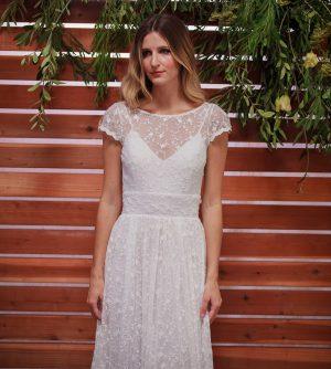 close-up-fleur-boho-lace-wedding-dress