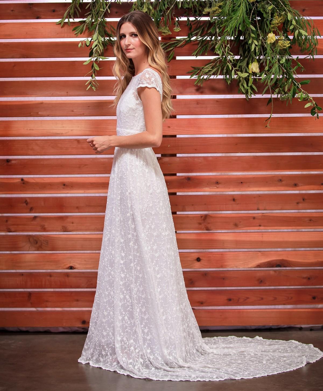romantic-boho-wedding-dress-with-open-back-and-elegant-train