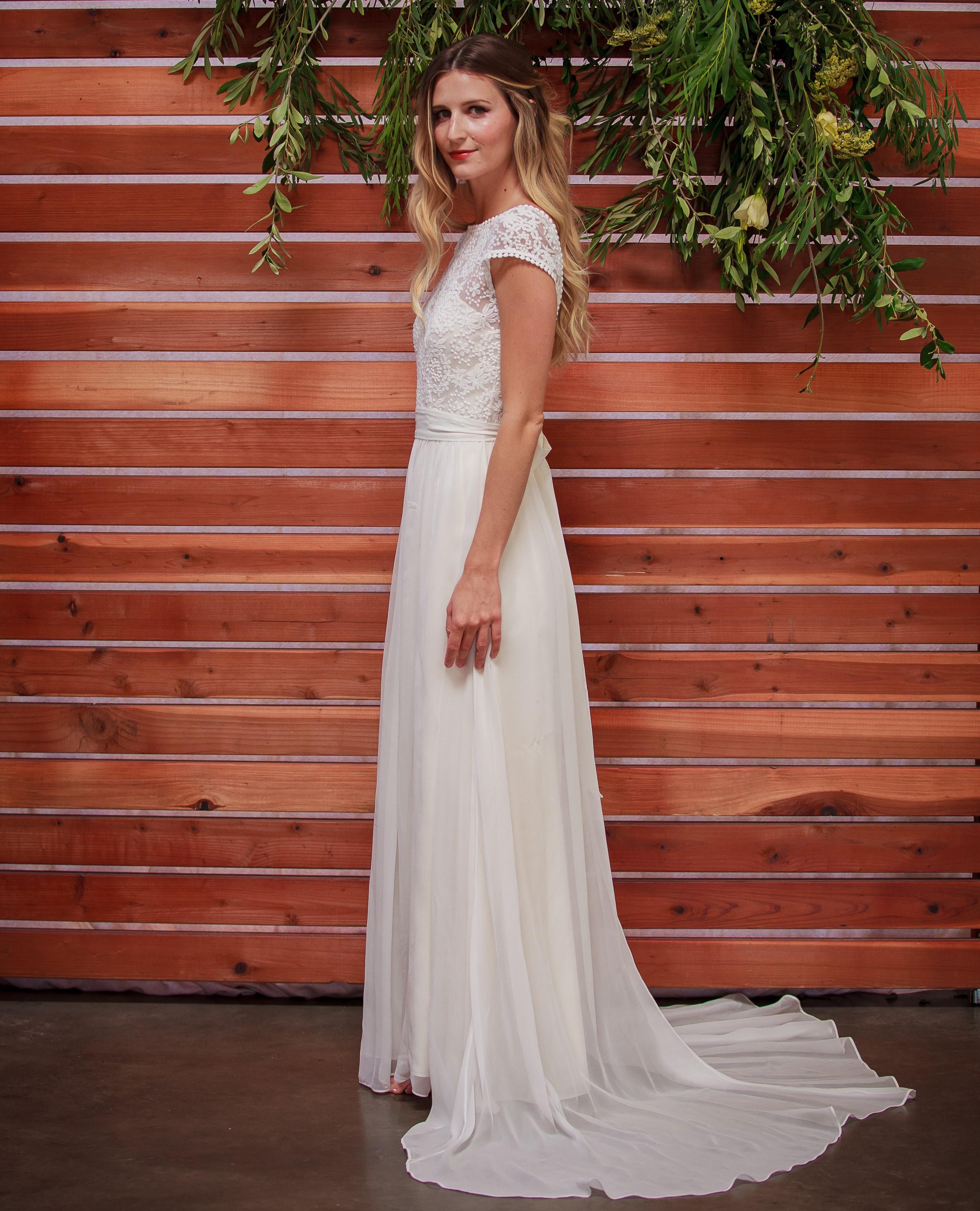 the-perfect-boho-wedding-dress-for-either-beach-or-outdoor-venue-lace-bodice-silk-skirt