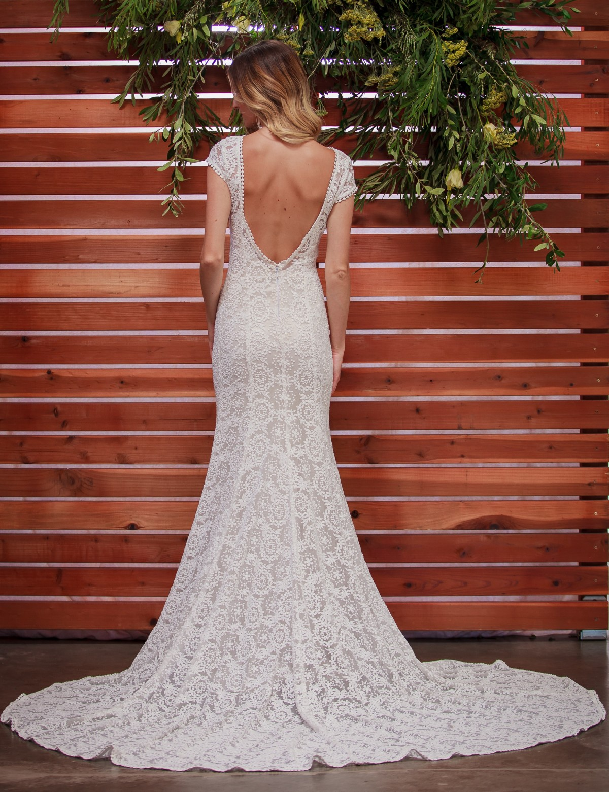 nellia-exquisite-backless-bohemian-lace-wedding-dress-with-boat-neck-and-capped-sleeves