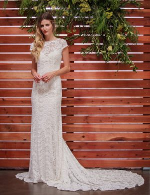 Nellia-simple-bohemian-weddig-dress-with-open-back-and-long-train