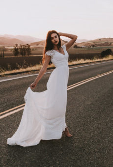 Simple Elegant Wedding Dresses | Dreamers and Lovers