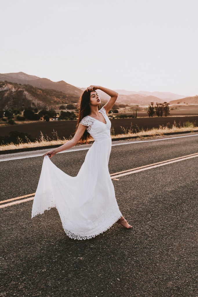 bohemian-wedding-dress-dreamersandlovers-daisy-from-a-recent-editorial